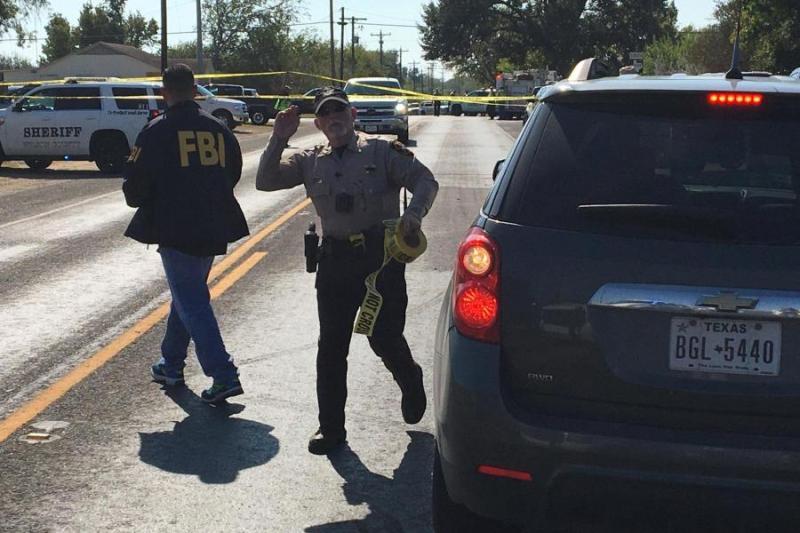 Masakra në Teksas, 26 viktima e 24 të plagosur,autori është vrarë