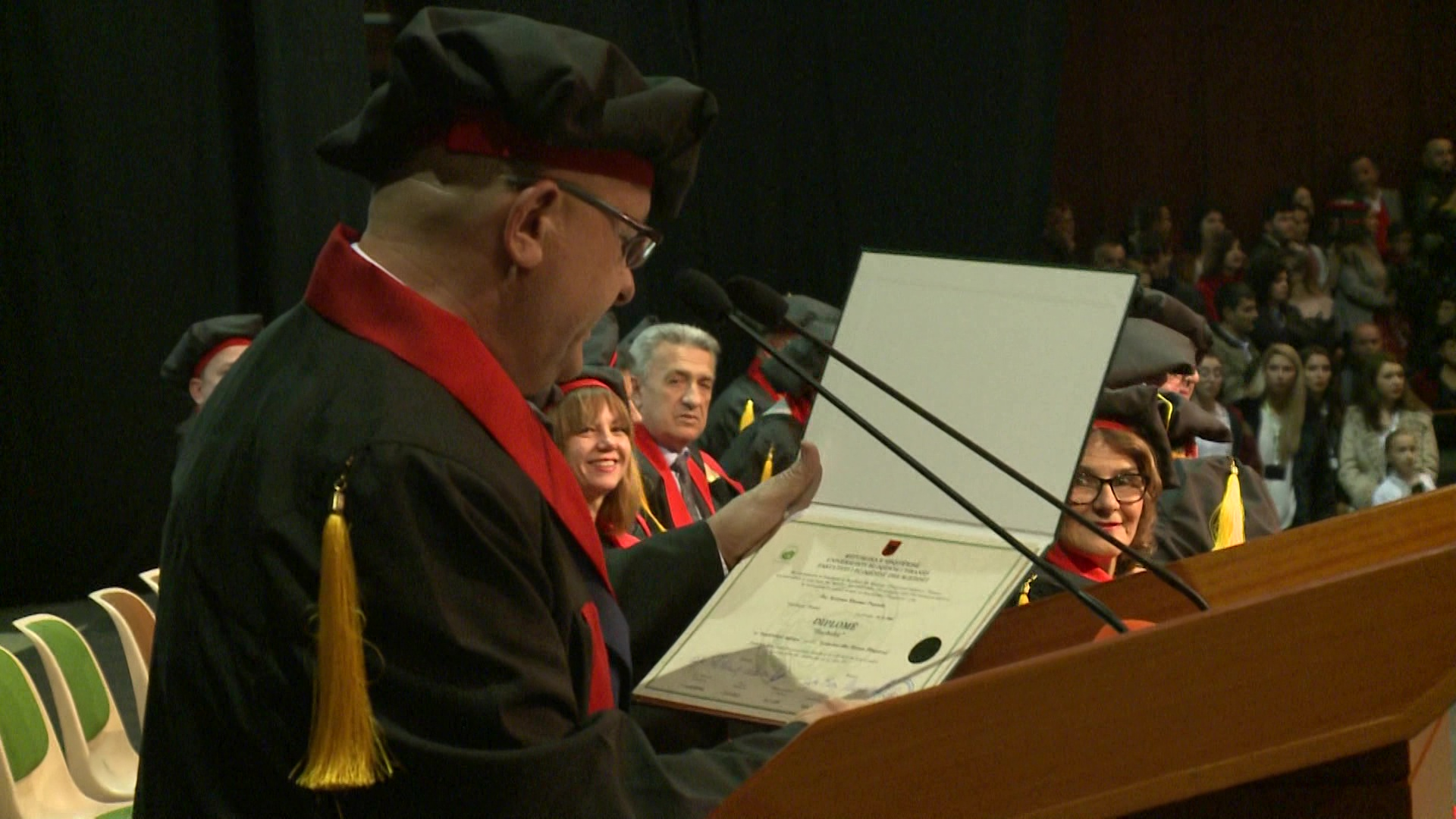 Ceremonia e diplomimit të studentëve të UBT