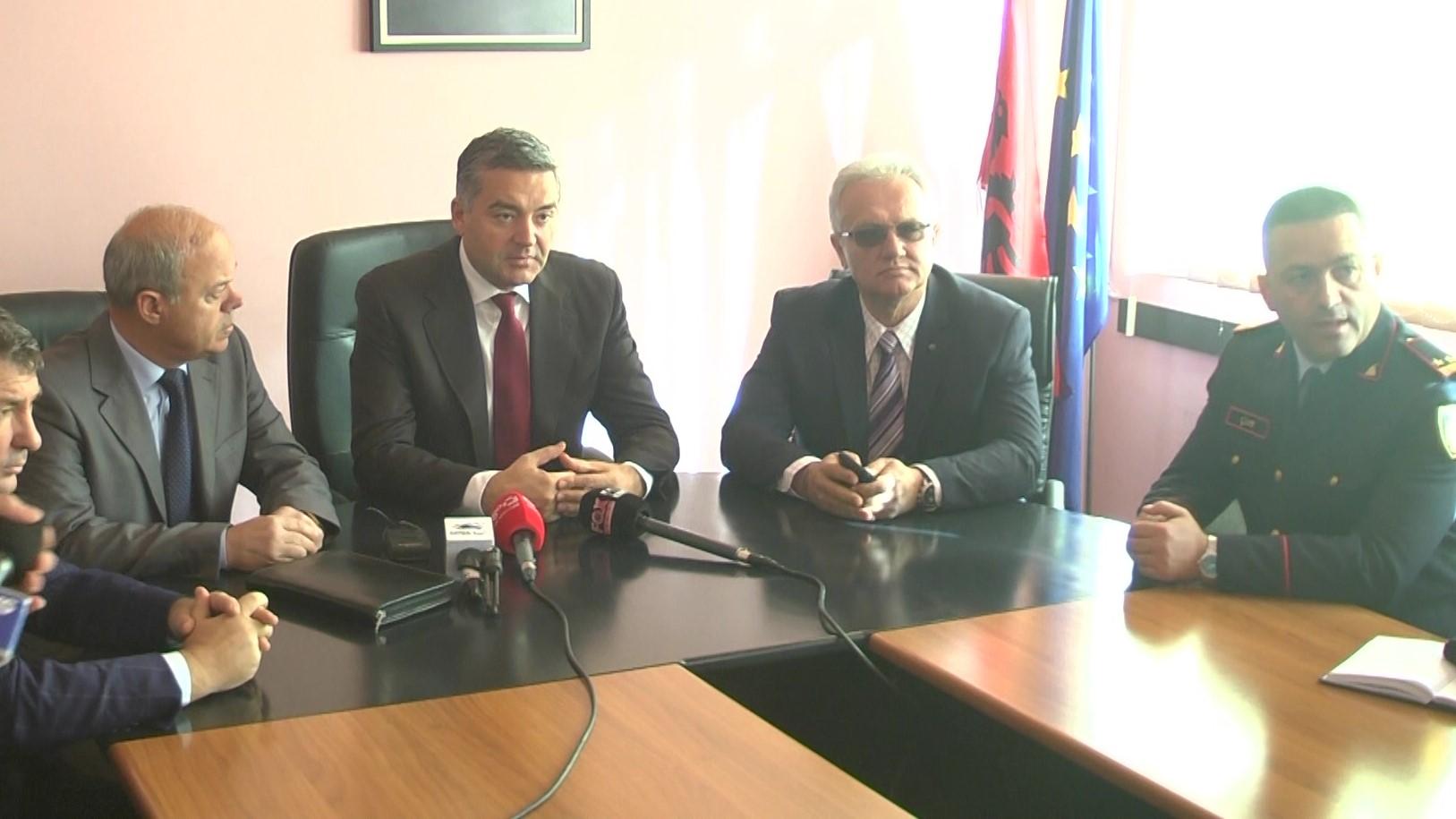 Prezantohet prefekti i i ri i Durrësit, Roland Nasto