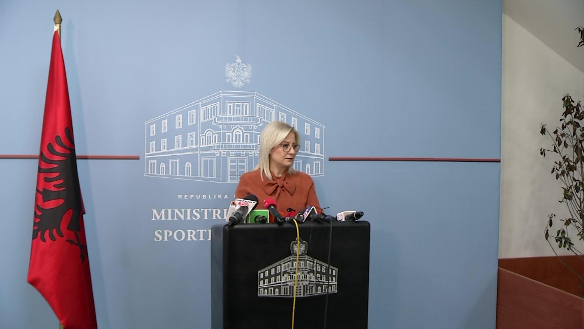 Ministrja e Arsimit: Kush shkel ligjin do të ndëshkohet