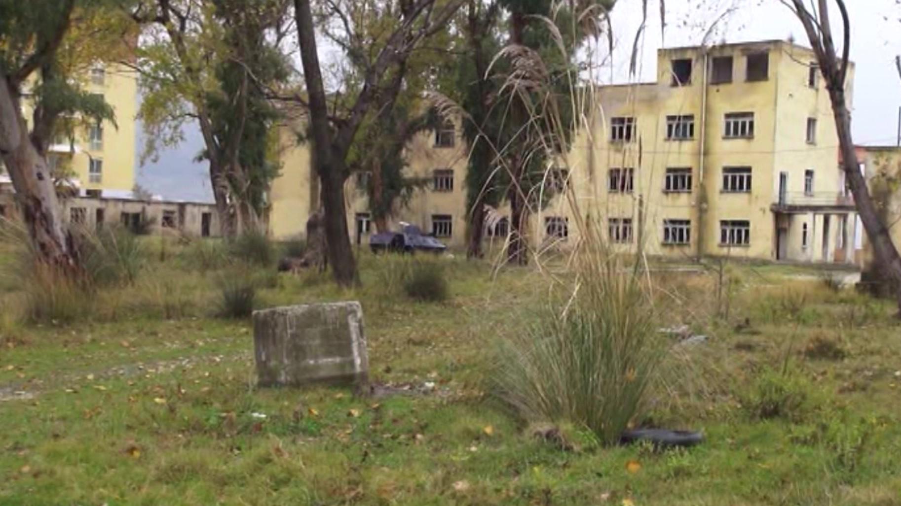 Vlorë, ish-kampi i pionierëve në strehë për të droguarit
