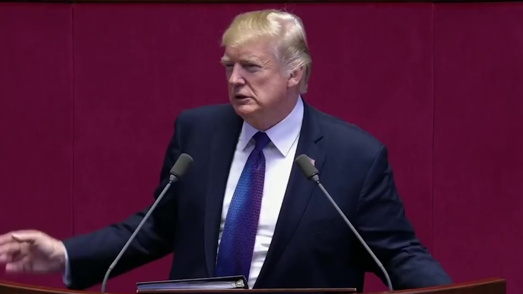 "Korea e Veriut dënon me vdekje presidentin amerikan Trump: ""Ofendoi Kim Jong Un"""