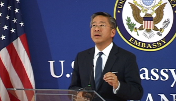 Ambasadori-Amerikan-ne-Tirane-Donald-Lu-720x415.png