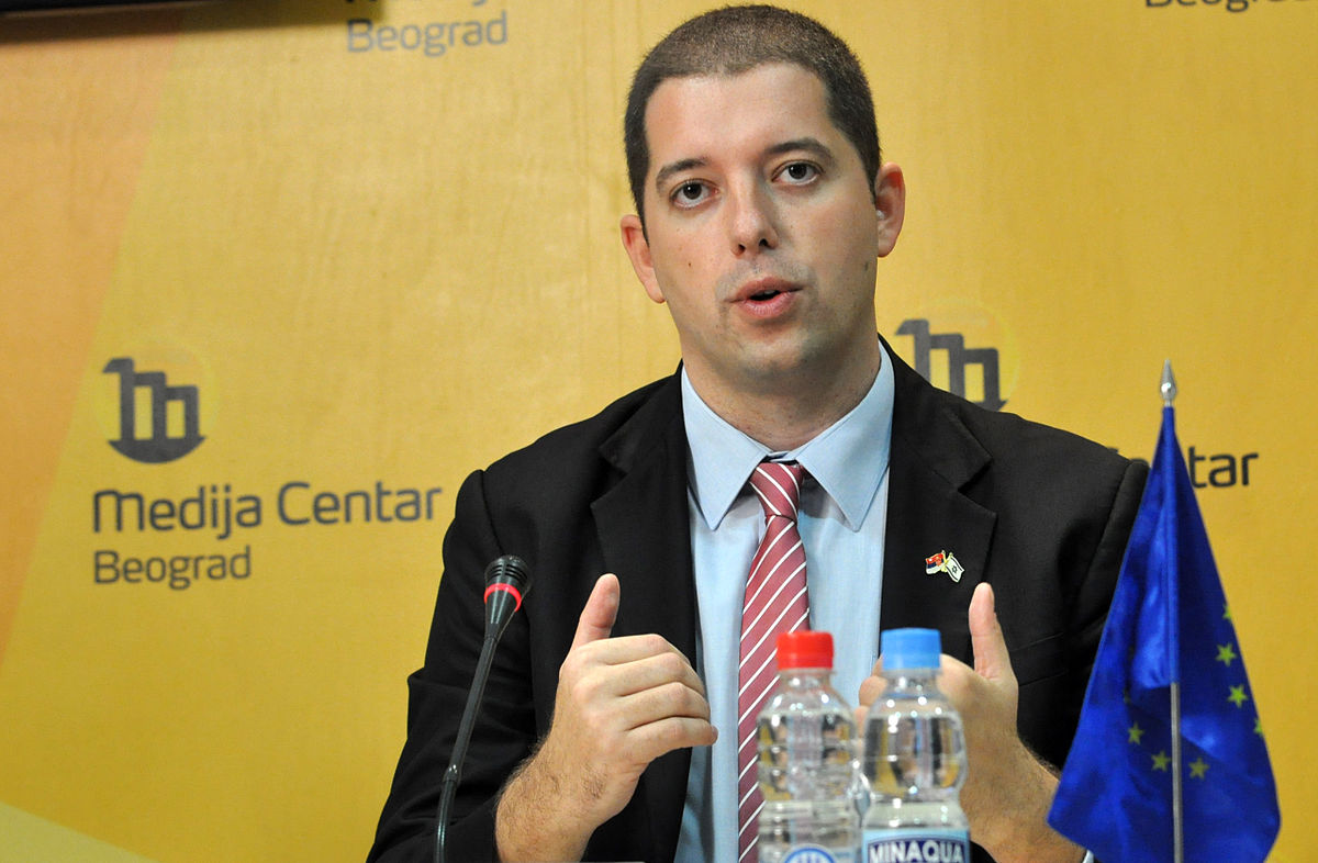 """Deklarata e """"çmendur"""" e Gjuric: 58 % e kosoves i përket Serbisë"""