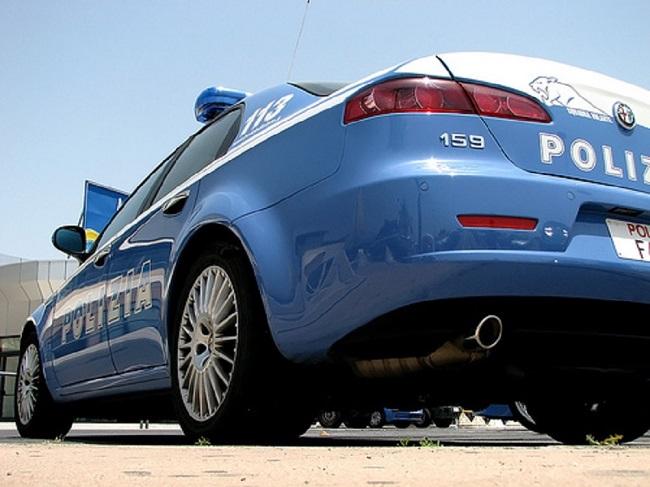 foto-macchina-polizia.jpg