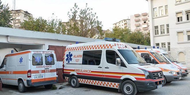 ilir-beqja-autoambulanca-gjirokaster-urgjenca-gjirokaster-ministria-e-shendetesise-660x330.jpg