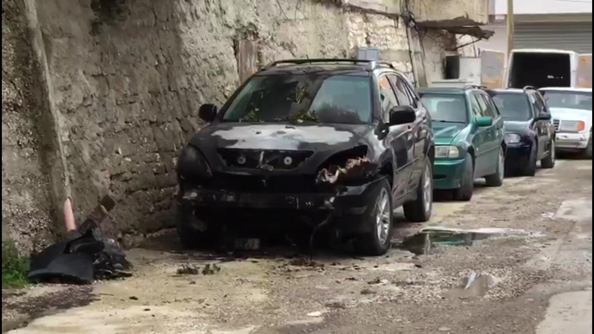 """Vlorë, shpërthen në flakë një makinë në lagjen """"Partizani"""""""