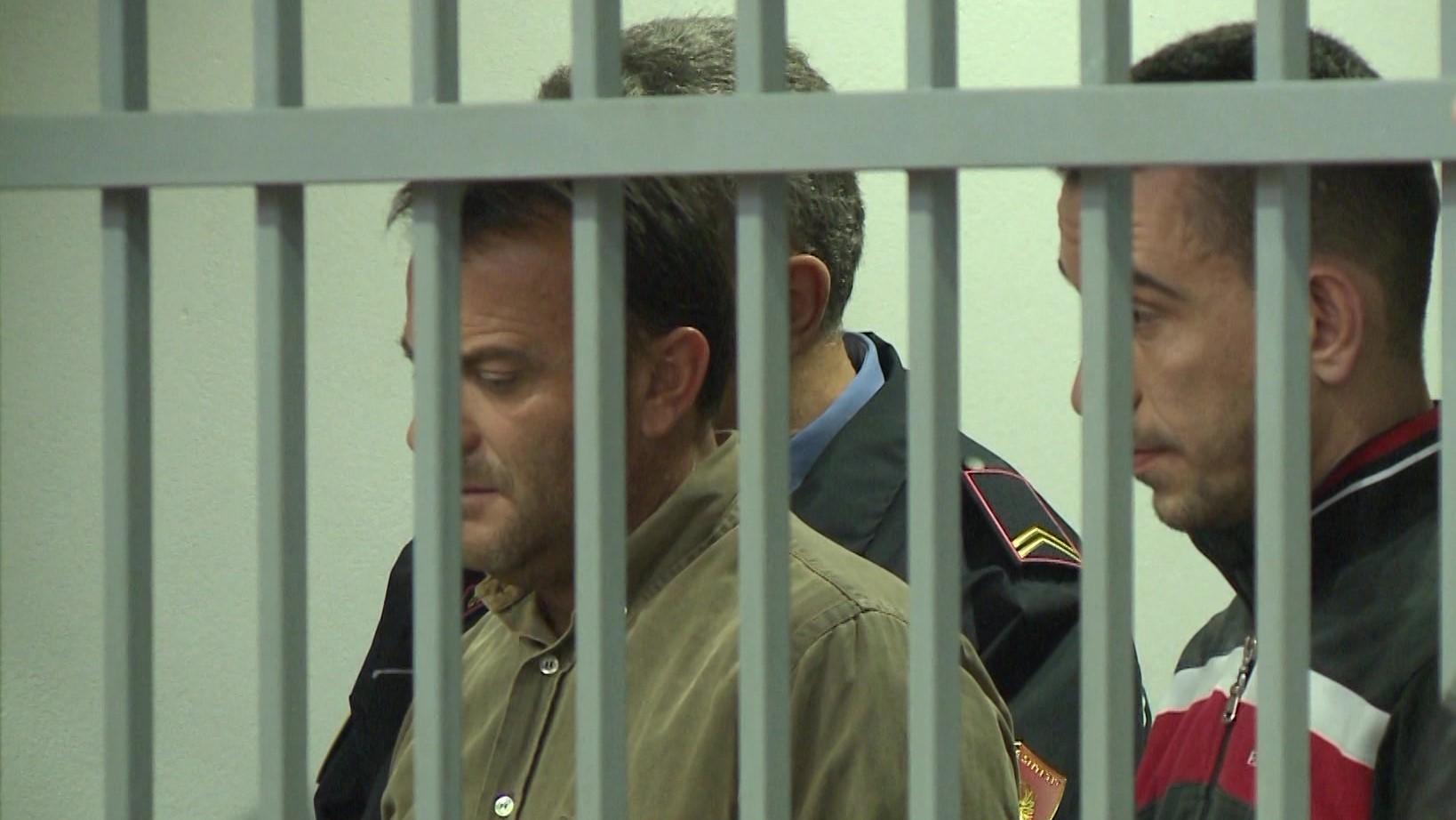 """Hetim në Elbasan për """"Audi""""-n që përplasi policinë"""