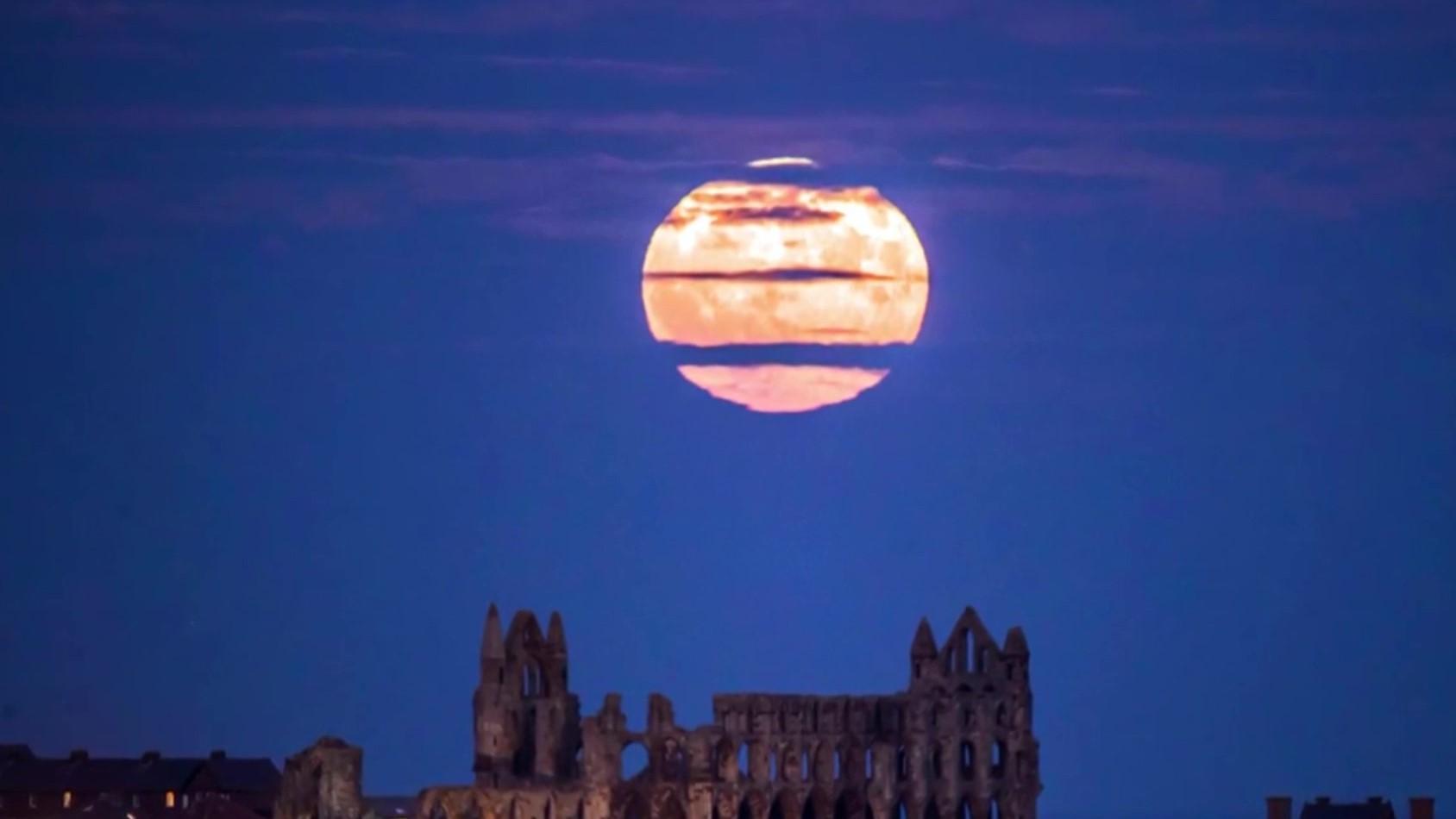 Superhëna shfaqet natën e 1 janarit