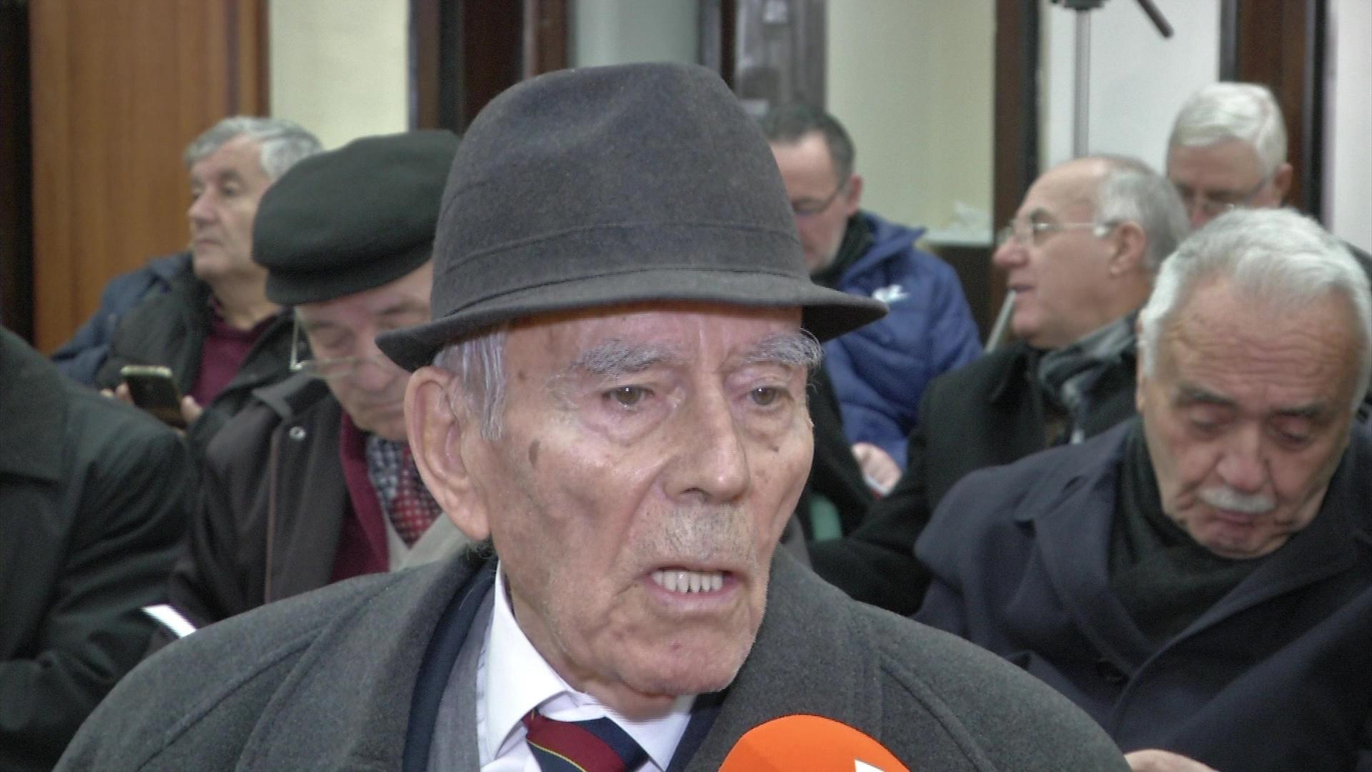 Parllaku thirrje historianëve mos ngatërrojnë luftën me diktaturën