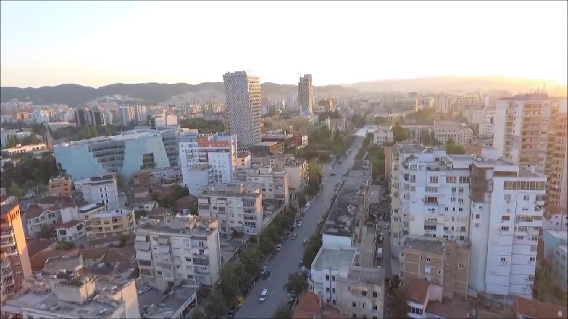 INSTAT: Ndërtimi e hotelet kanë punë, tregtia e industria shënojnë rënie