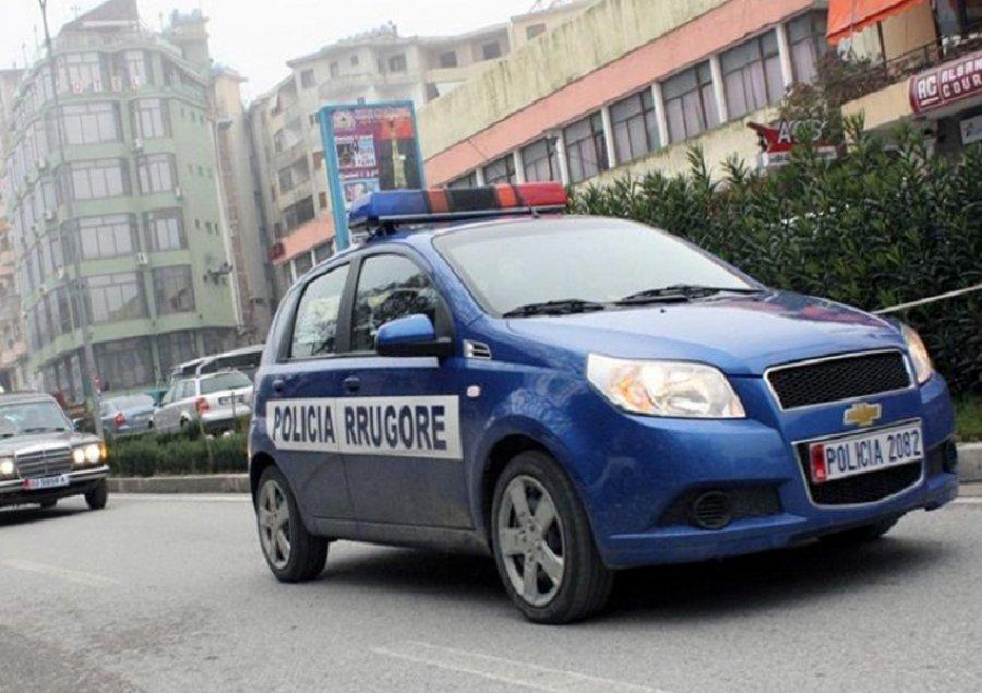 auto_Policia-Gjirokaster1484479160.jpg
