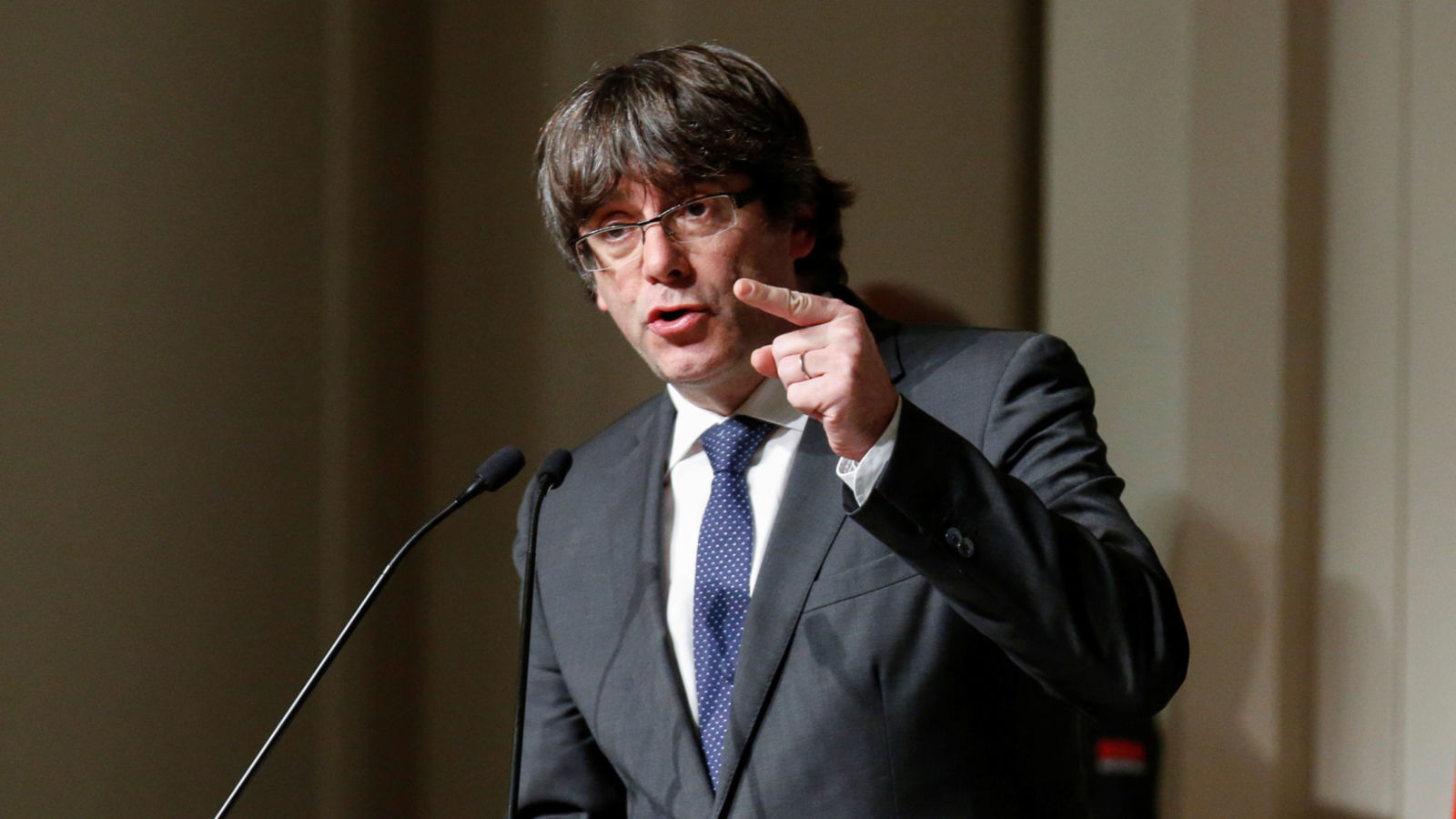 Lëshohet urdhër arresti ndërkombëtar për ish-kryeministrin katalanas