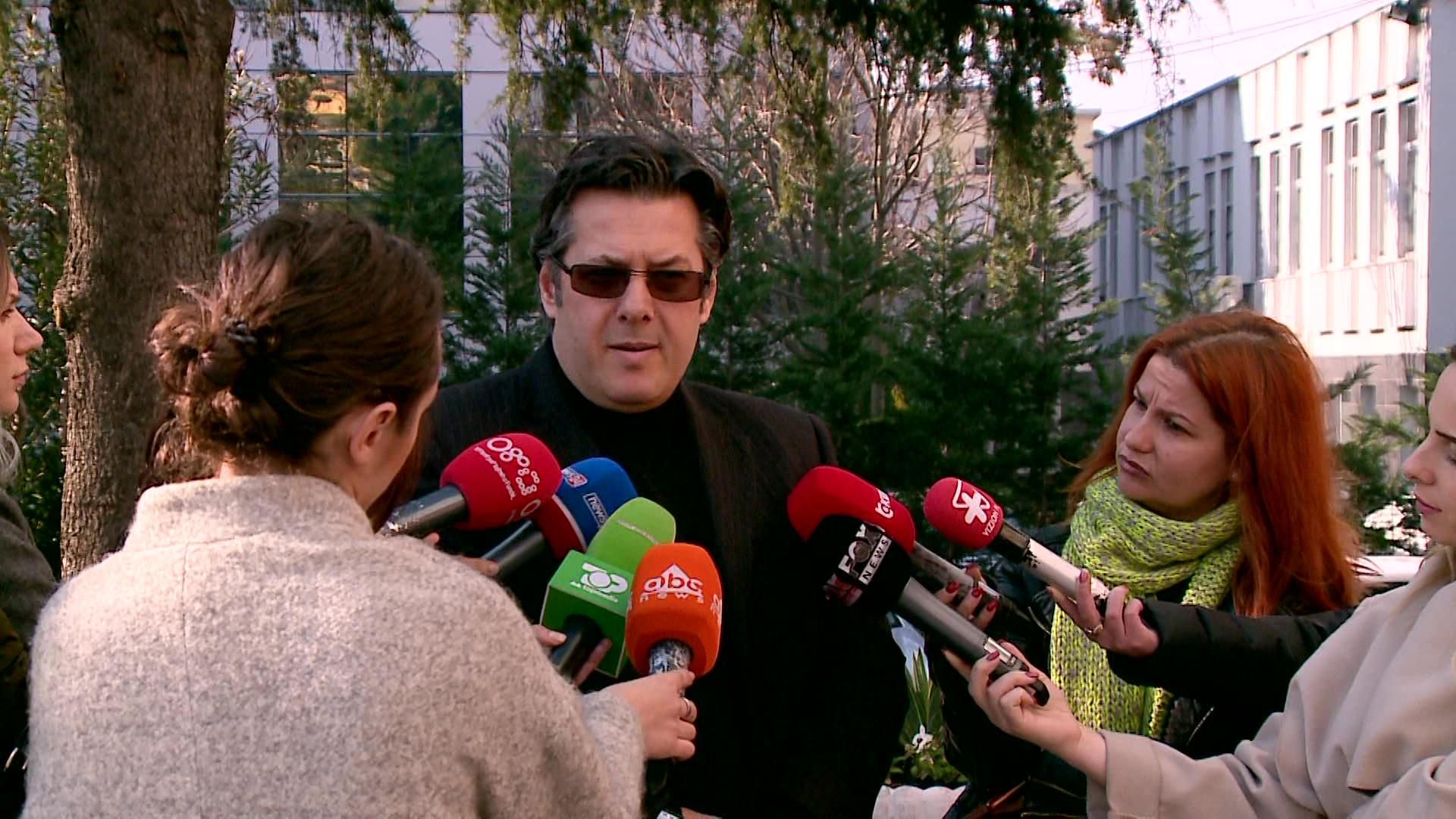 Aksioni opozitar/ Paloka: Qendrim i kushtëzuar me Kuvendin