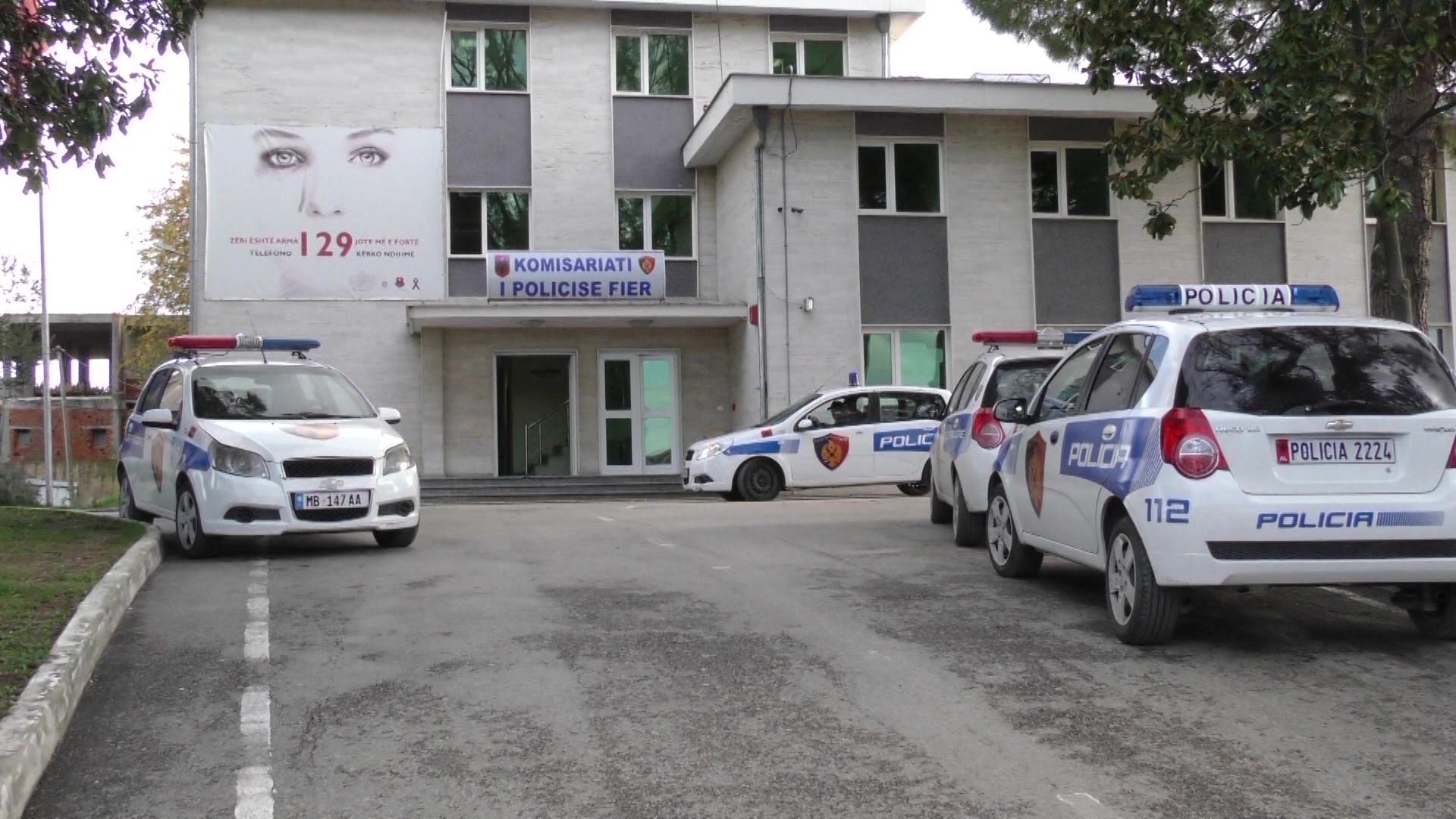 Fier, ndalohen dy inspektorë tatimorë për korrupsion