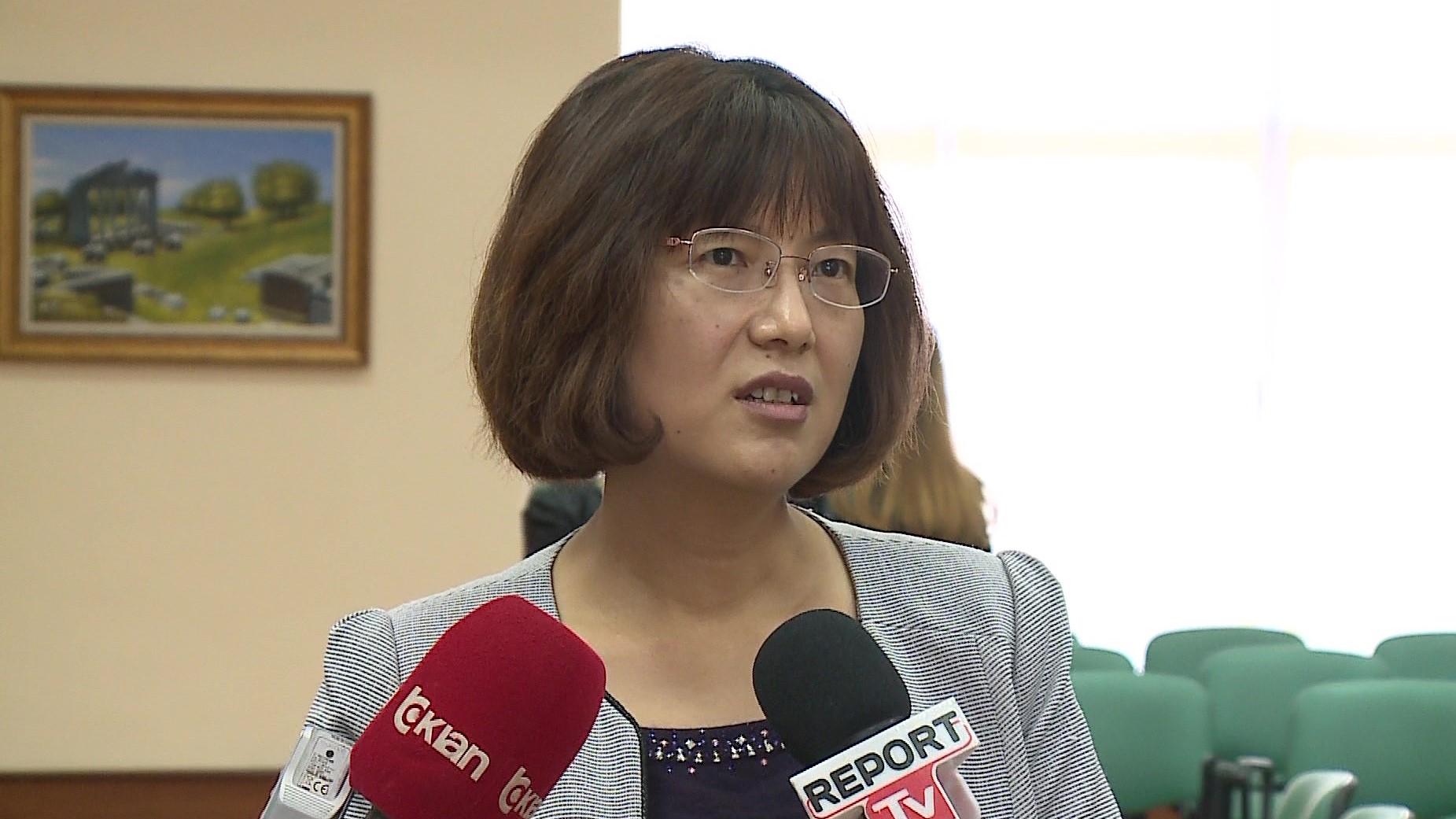 Studiuesja kineze sjell identitetin e shqiptarëve përmes veprës së Kadares