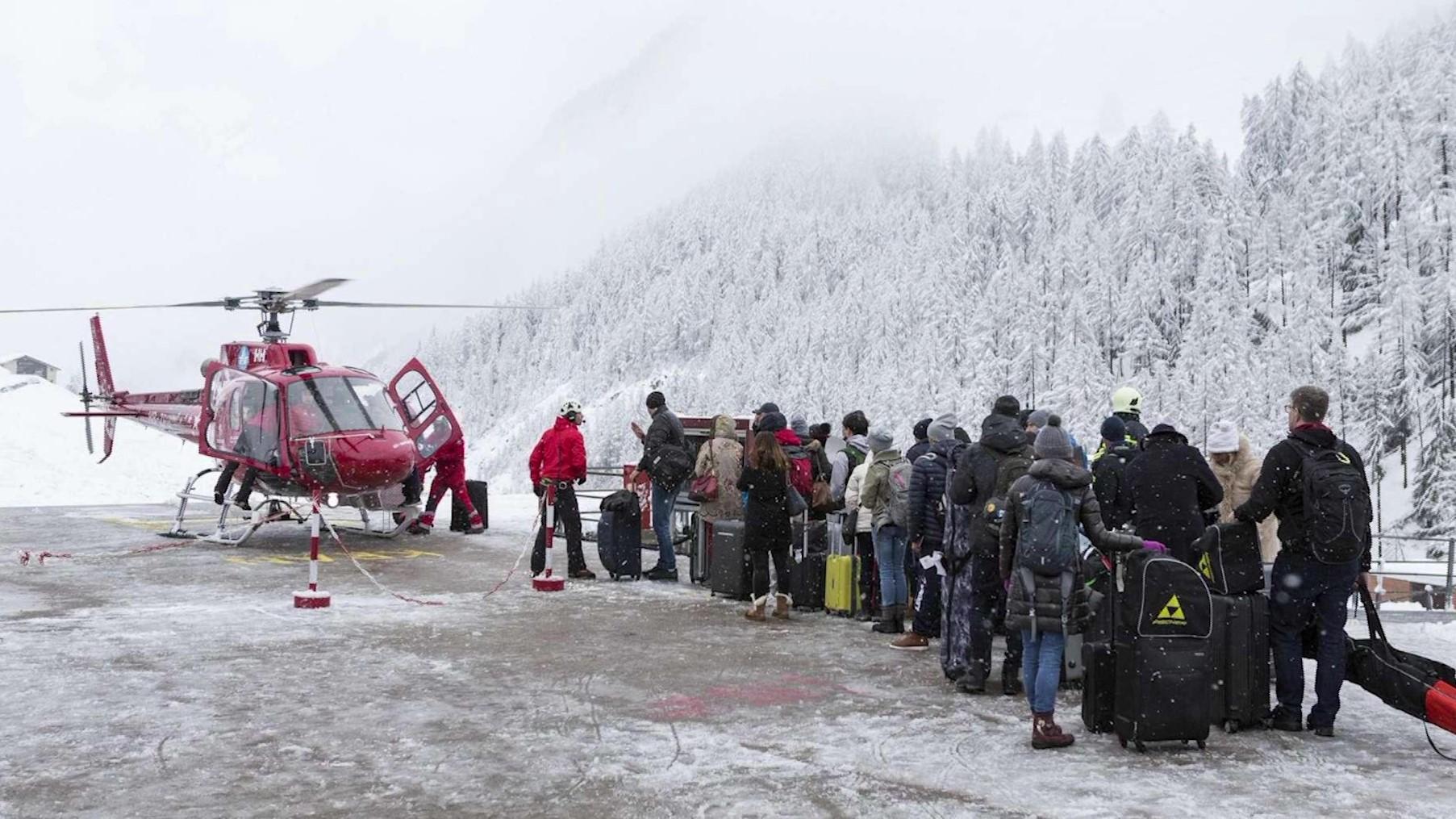 Mbi 13 mijë turistë janë bllokuar në një rajon malor