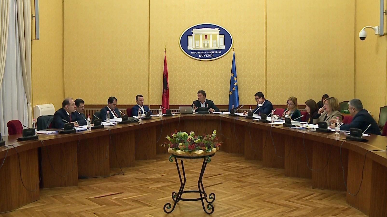Këshilli i Legjislacionit vendos shqyrtimin e tre vendimeve të Gjykatës Kushtetueses