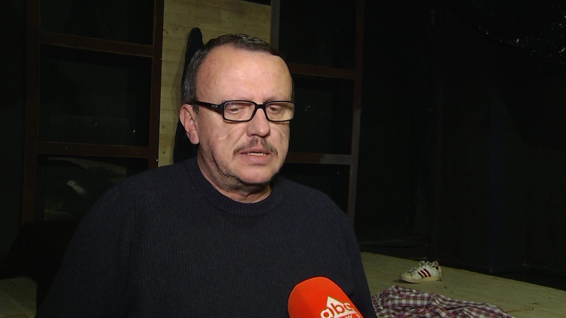 """Komedia urbane e Stefan Çapalikut, """"Ëngjëlli në katin e 11"""""""