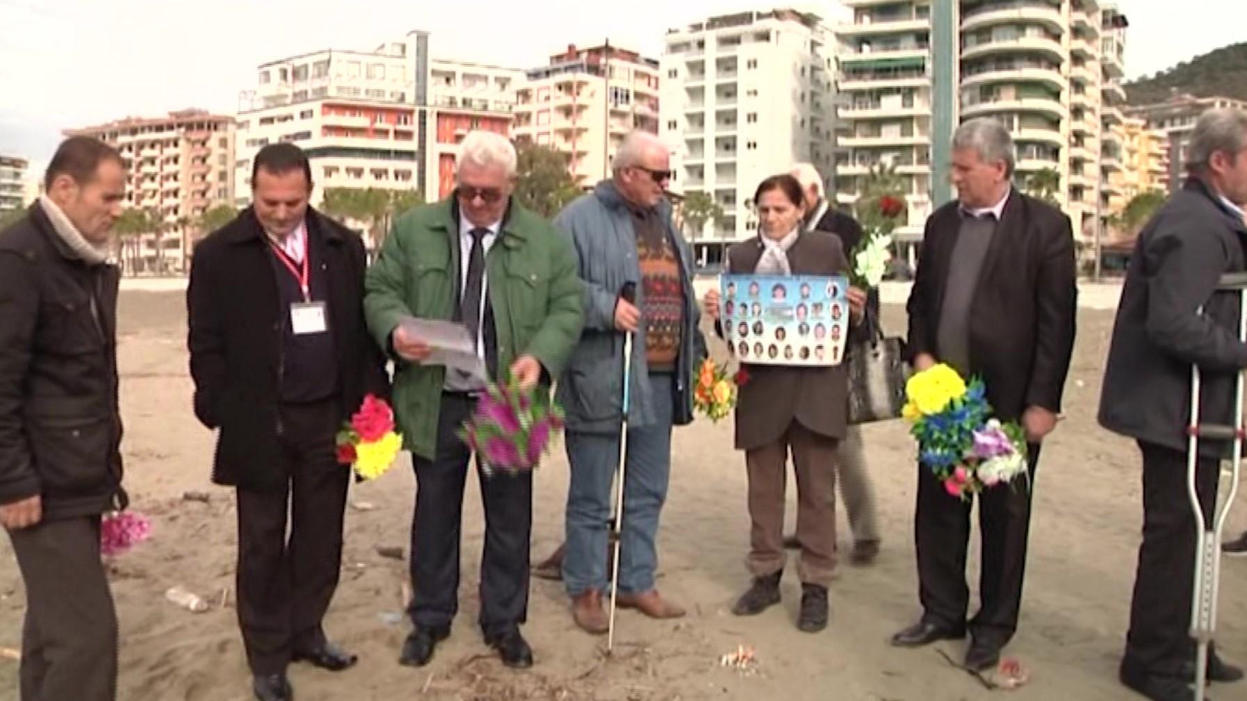 Homazhe në Vlorë 14 vjet pas tragjedisë së Karaburunit