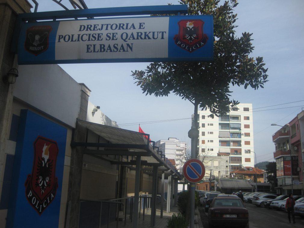 Dhunë dhe mashtrim, arrestohet në Elbasan një kosovar