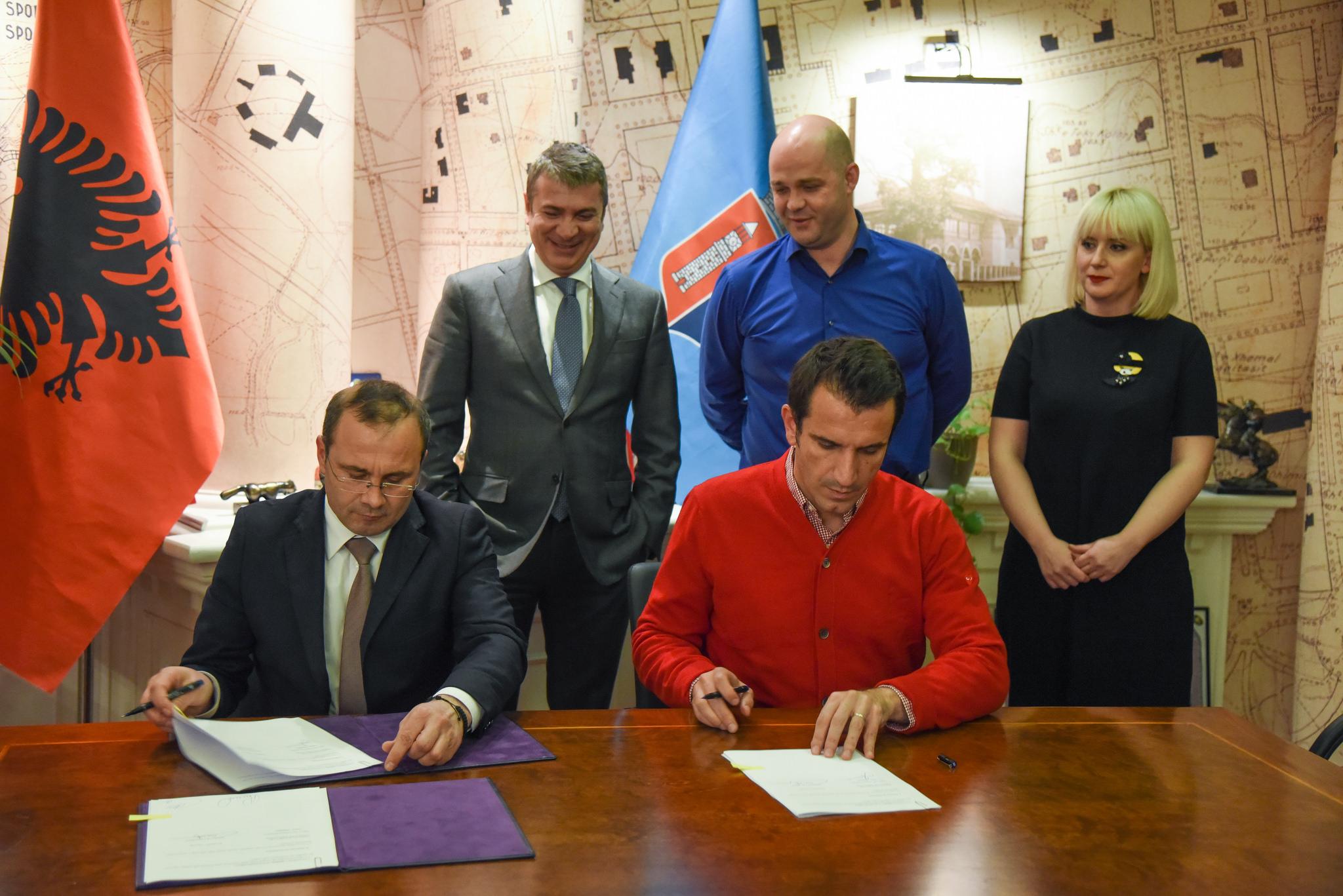 Bashkia e Tiranës marrëveshje për përmirësimin e ujesjellës-kanalizimeve