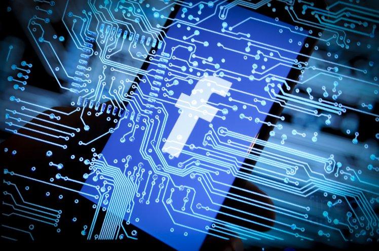 Facebook, 500 dollarë përdoruesve çdo muaj