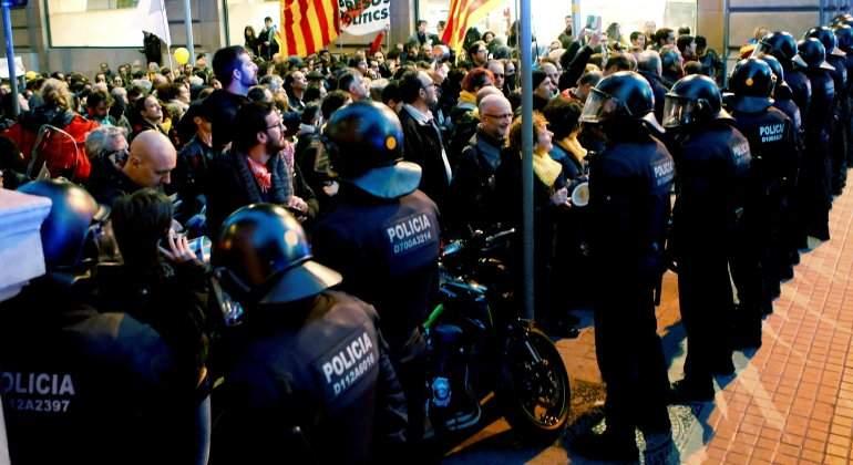 independentistas-mossos-protesta-mwc-efe.jpg