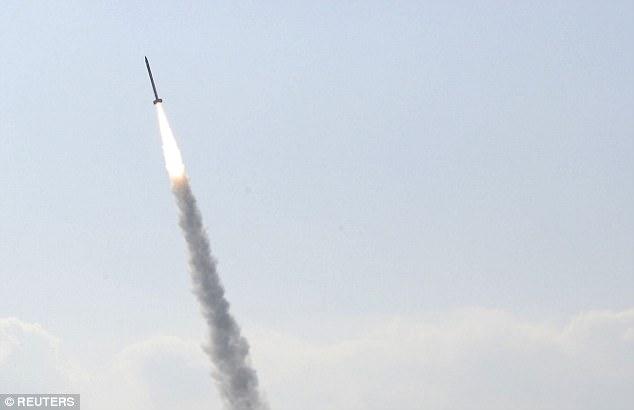Video/ Lëshohet për në hapësirë raketa më e vogël