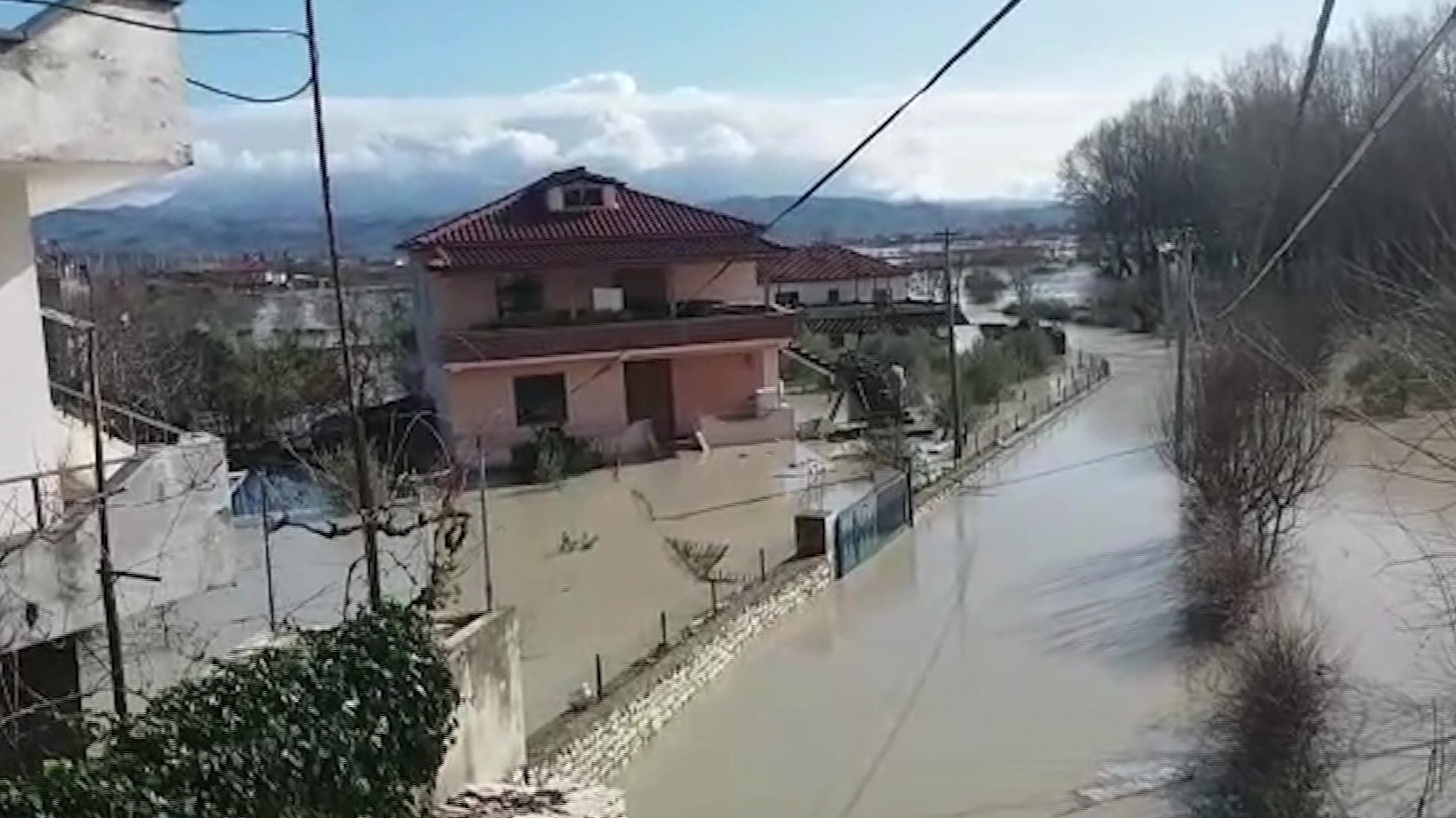 Vjosa, del uji në Ferras dhe në Fitore