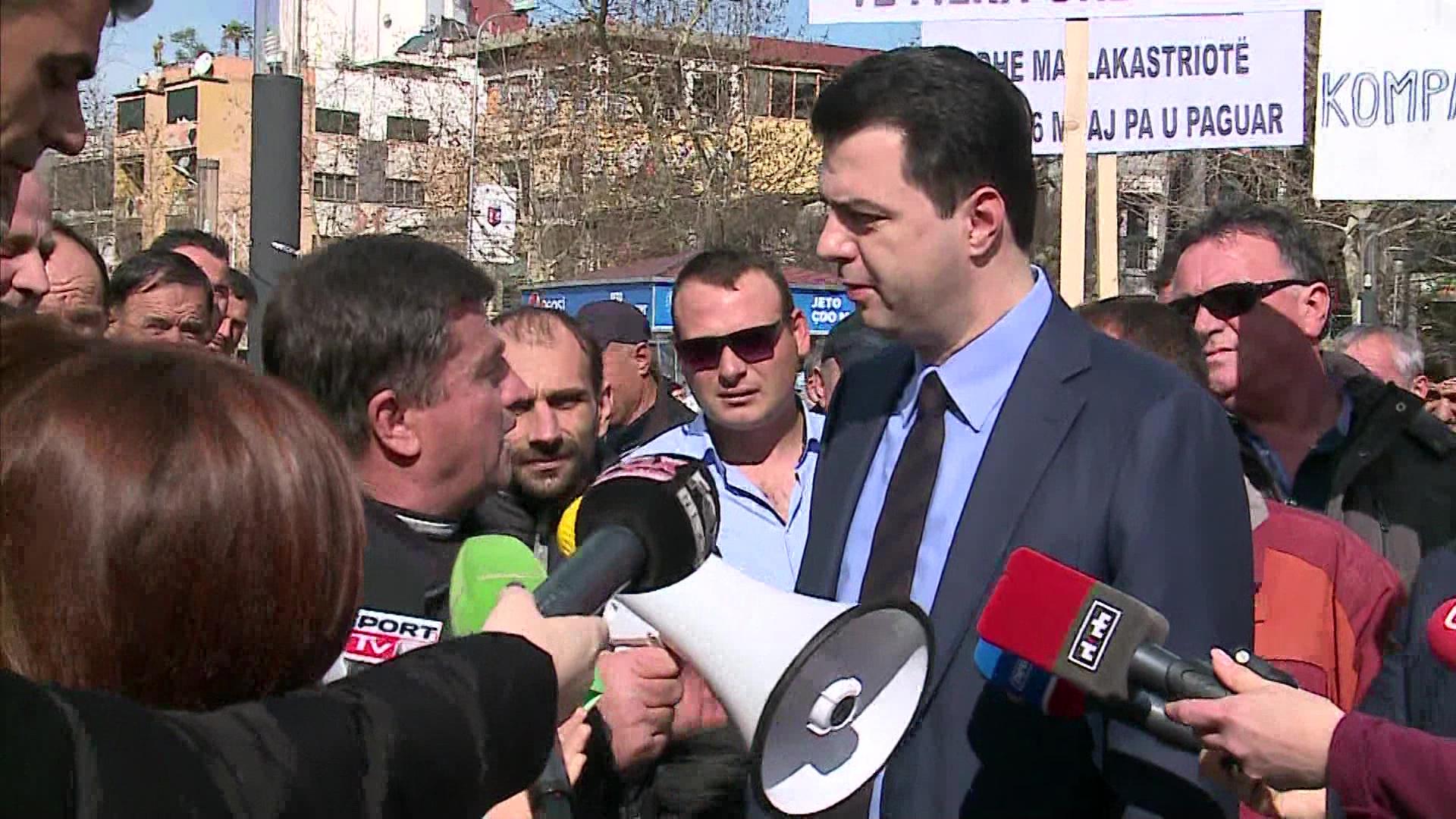 Opozita i bashkohet protestës së punëtorëve të Bypass-it të Fierit
