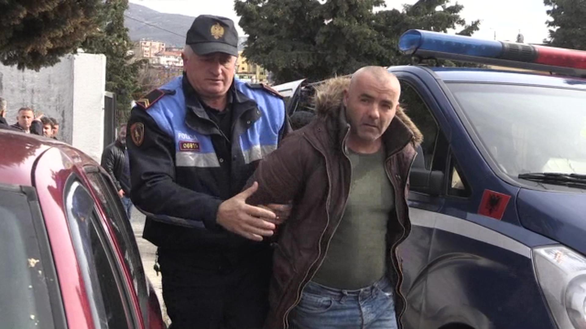 U kapën me mina me telekomandë, lihen në burg Artur Popa dhe Valtor Çala