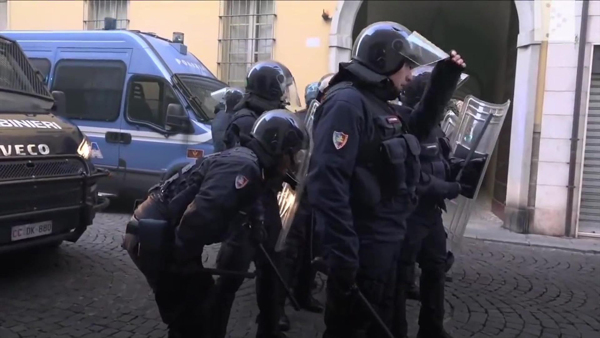 Blindohen qytetet italiane në pritje të manifestimeve elektorale