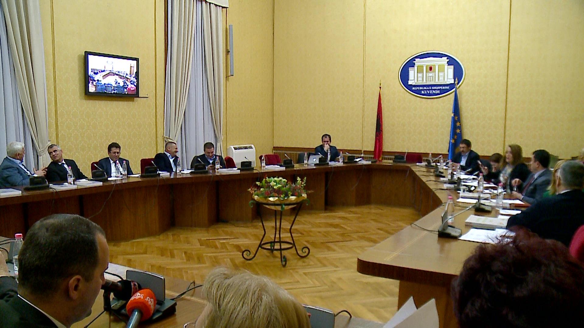 Komisioni i reformës zgjedhore mblidhet në seancë dëgjimore