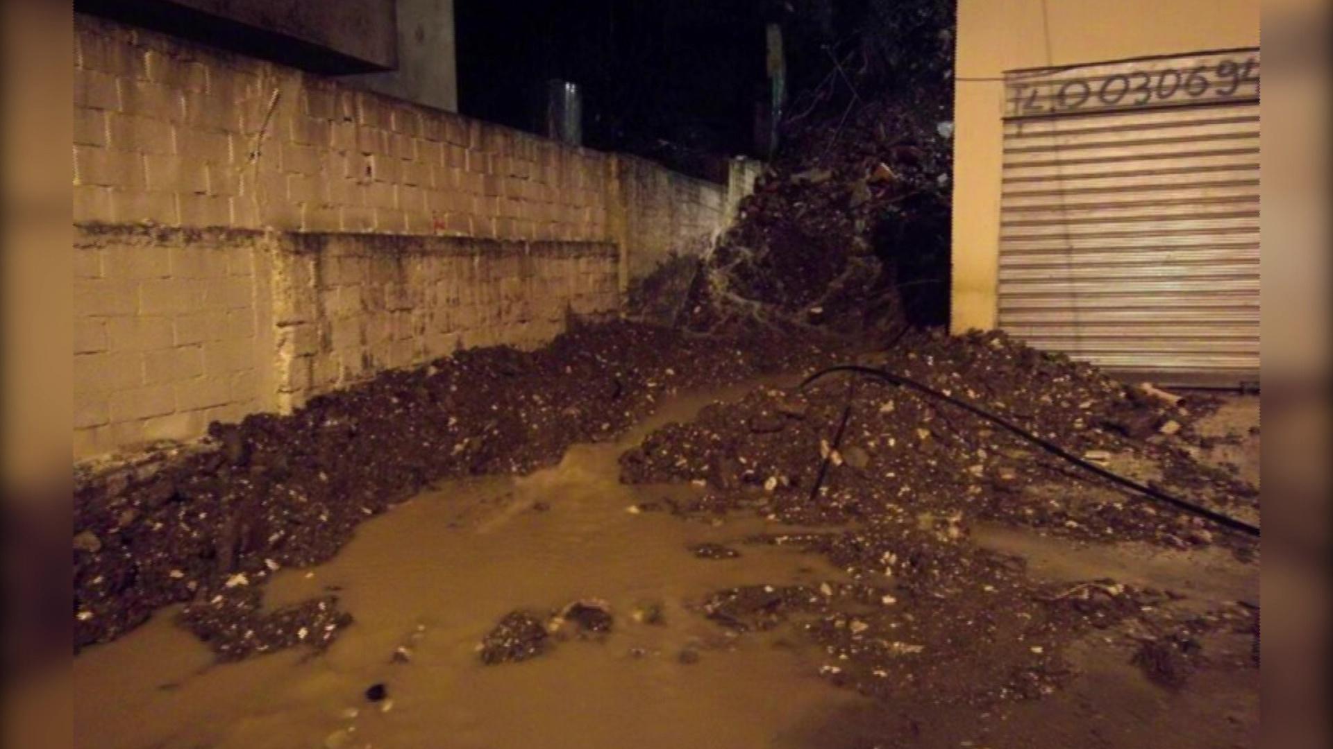 """Përmbytet një banesë në lagjen """"Kodër Shtuf"""" në Gjirokastër"""