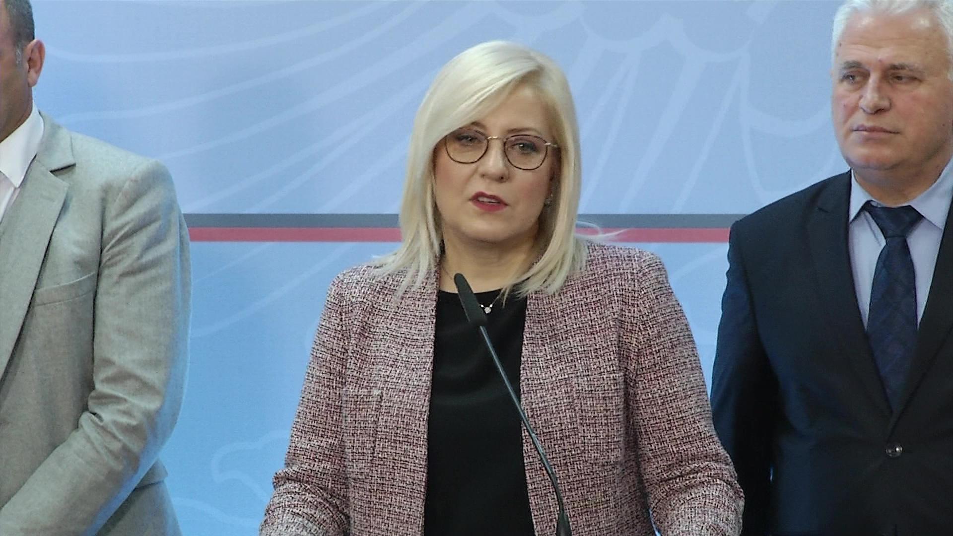Nikolla e Majko takim me homologët kosovarë për Arsimin e Diasporën