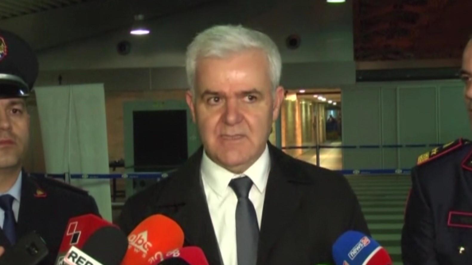 Xhafaj: E dimë kush janë grupet kriminale në Durrës dhe Krujë