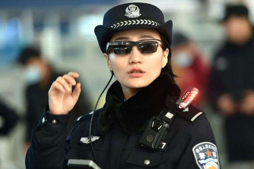 Syze e reja të diellit për policët, që të identifikojnë kriminelët