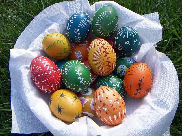 Si lindi tradita e vezëve të Pashkëve?