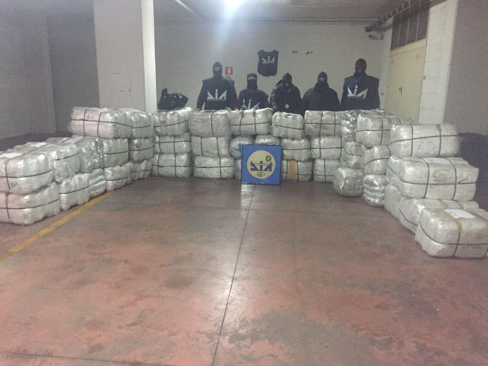 Goditet banda italo-shqiptare e drogës, 43 në pranga