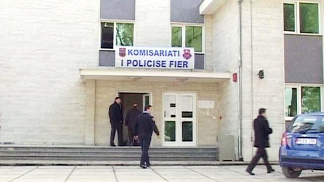 """Fier, finalizohet operacioni """"Mashtruesit"""", arrestohen 2 policë dhe 1 avokat"""