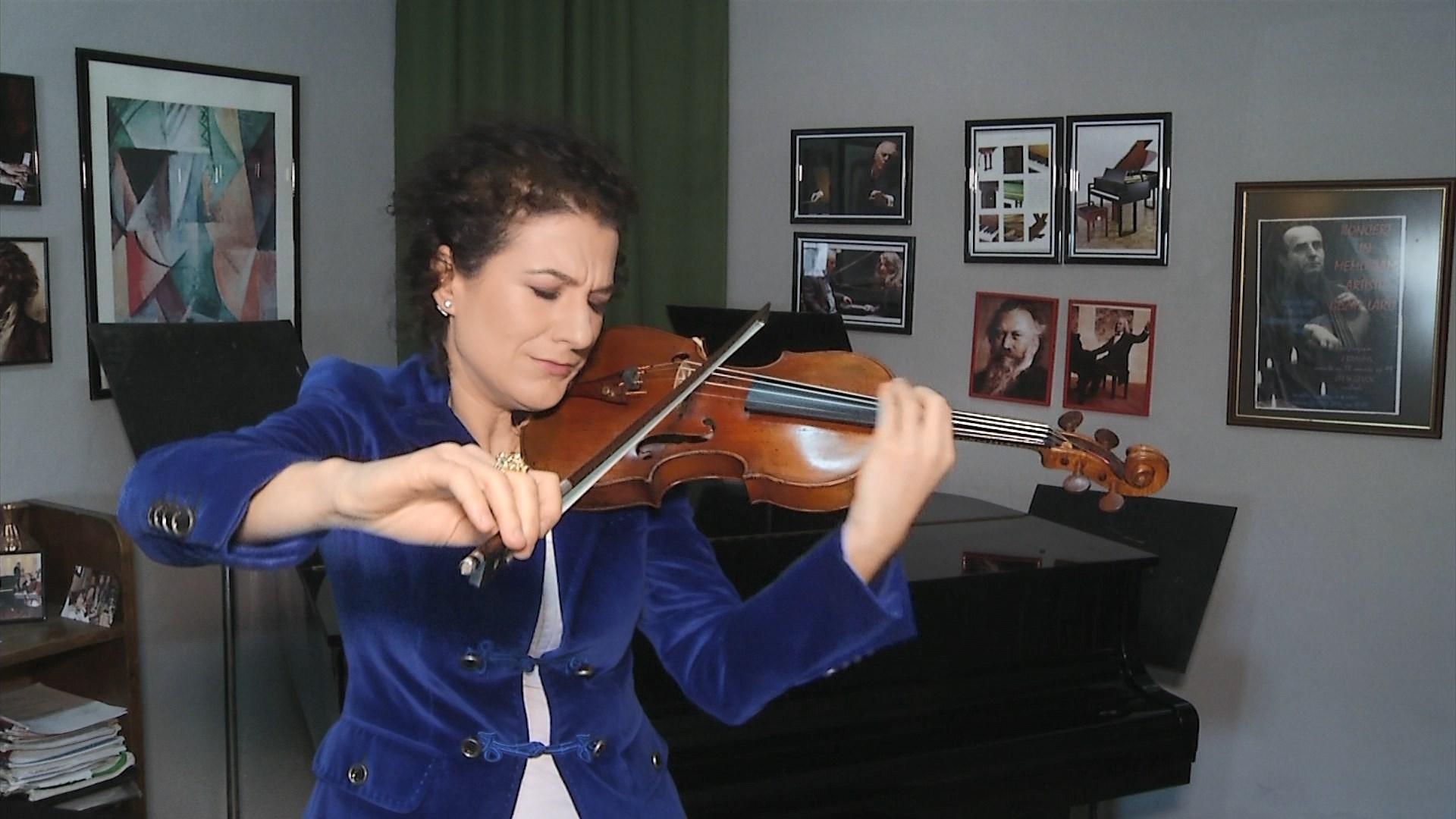 """Violinistja Alda Dizdari nis turin botëror """"Në gjurmët e Bahut"""""""