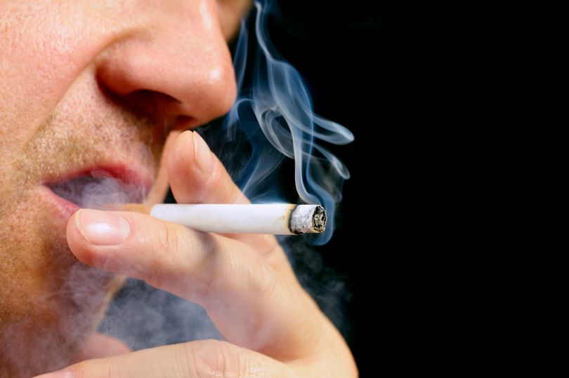 OBSH: Po ulet numri i burrave duhanpirës. Po gratë?