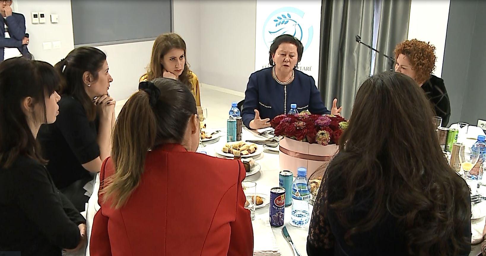"""Fondacioni """"Fëmijët shqiptarë"""", mirënjohje për gratë sipërmarrëse"""