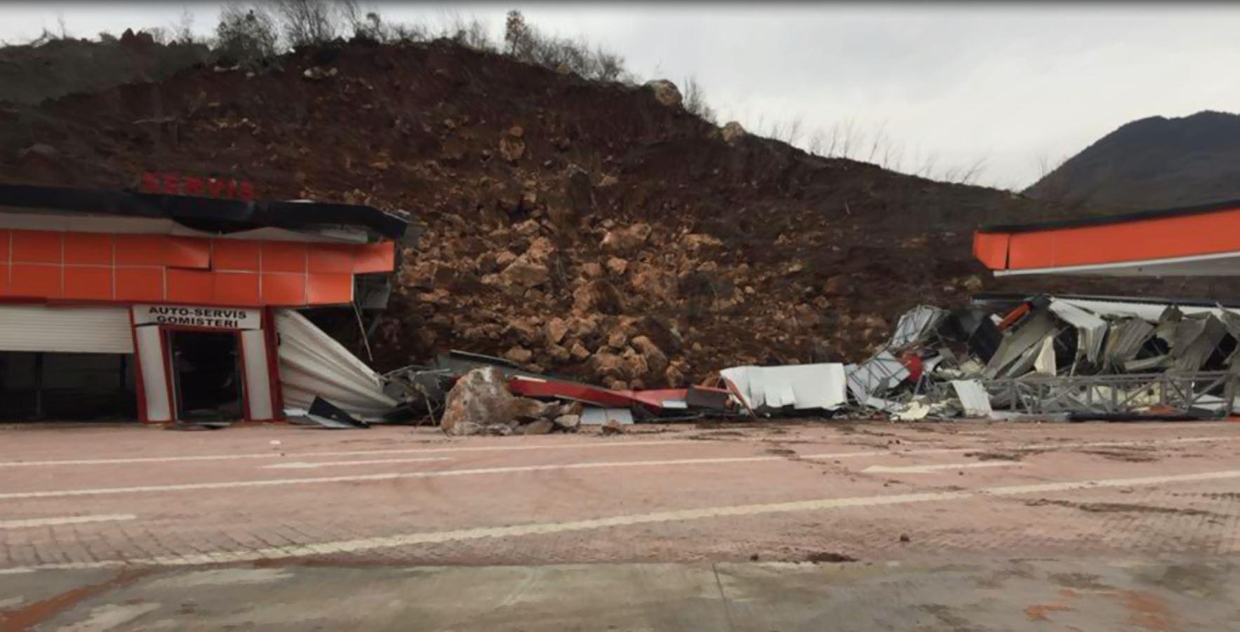 Shkarje toke në Reps dhe në Milot, rrezikohen biznese e shtëpi