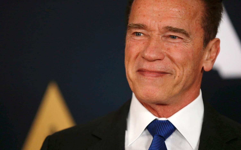 Los Anxheles, Schwarzenegger operohet në zemër