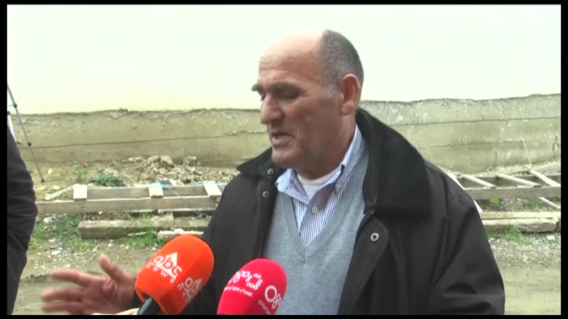 Familjarët e Anxhelo Gjokazaj në Durrës: Nuk e falim autorin