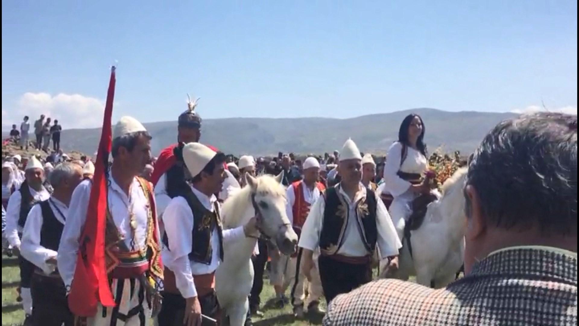 Kremtohet dasma e Skënderbeut në Kaninë të Vlorë