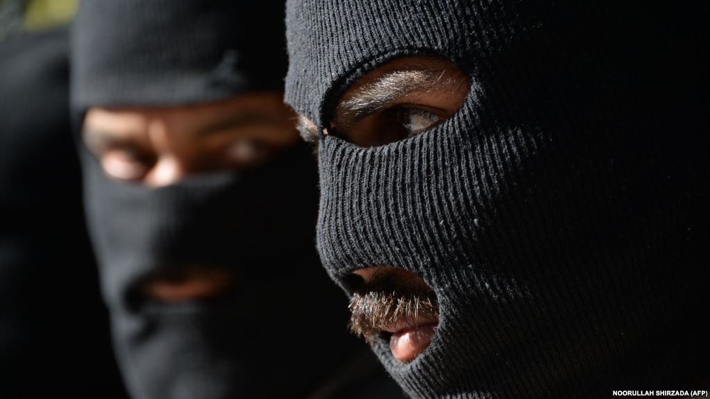 Talebanët afganë njoftojnë për nisjen e ofensivës pranverore