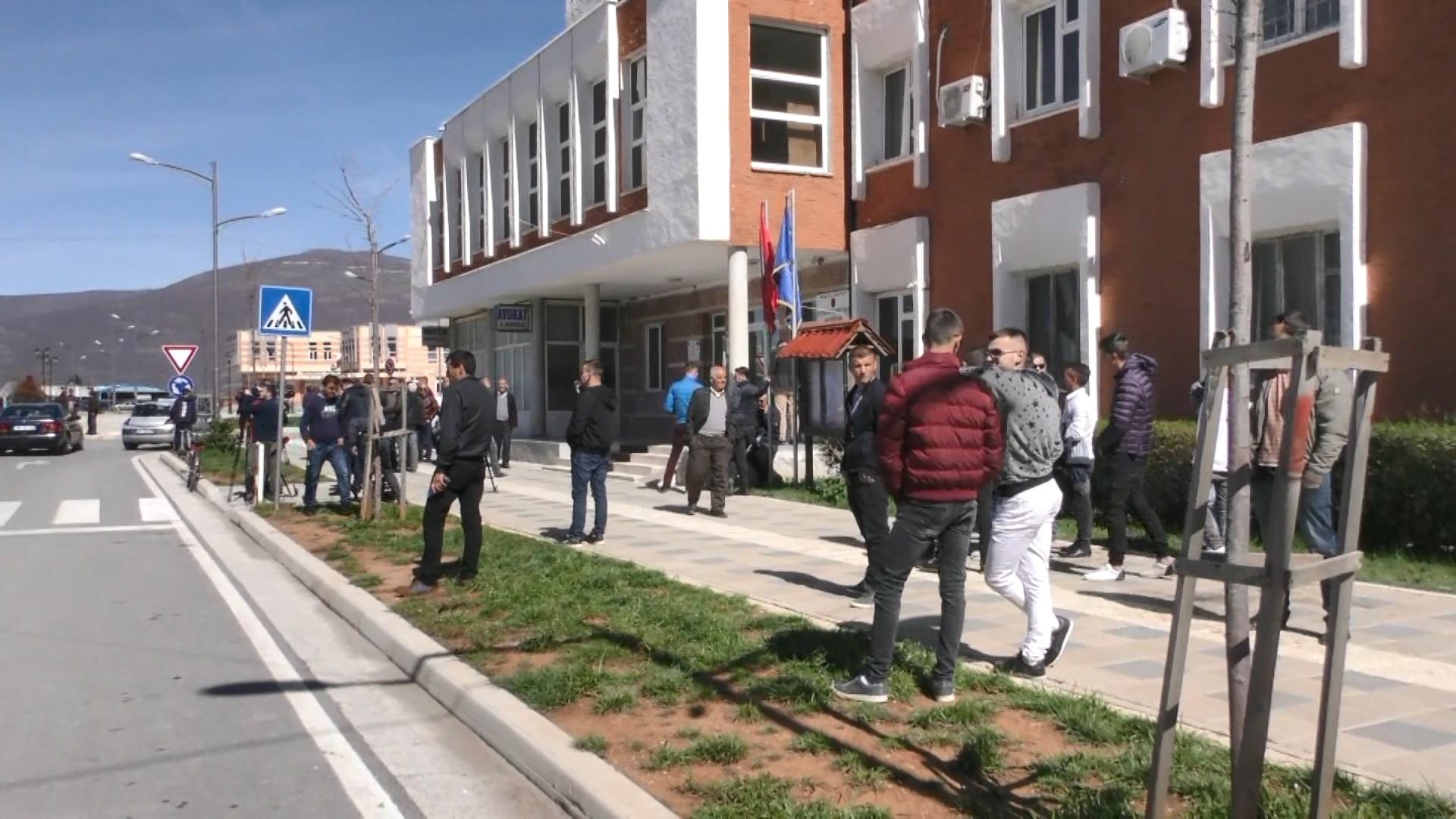 """Gjykata e Tiranës vendos të mërkurën për 23 të ndaluarit e """"Rrugës së Kombit"""""""